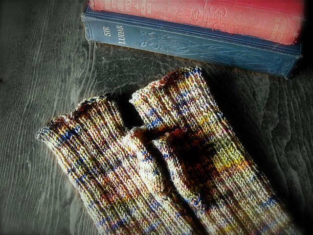 Photo link of Proverbial Fingerless Mitt Pattern